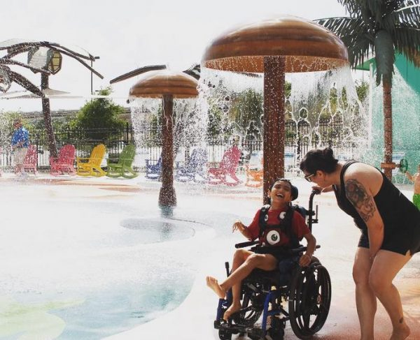 water-park-people-disabilities-morgans-inspiration-island-17-59477861bbded__700