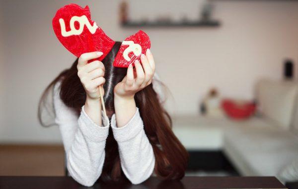 woman-with-broken-heart