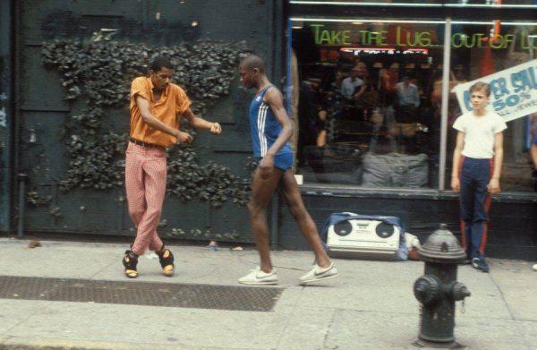 12-breakdancers-fifth-avenue-new-york