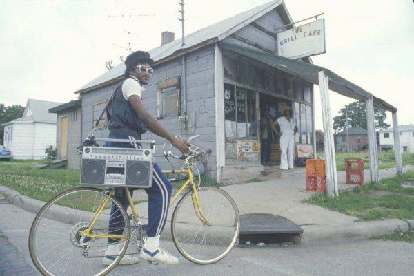 3-vintage-boombox-bicycle