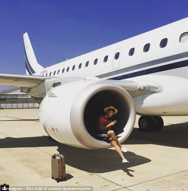 420104C700000578-4662422-Jet_setter_Why_take_pictures_inside_private_jets_like_everybody_-m-81_1499109007264