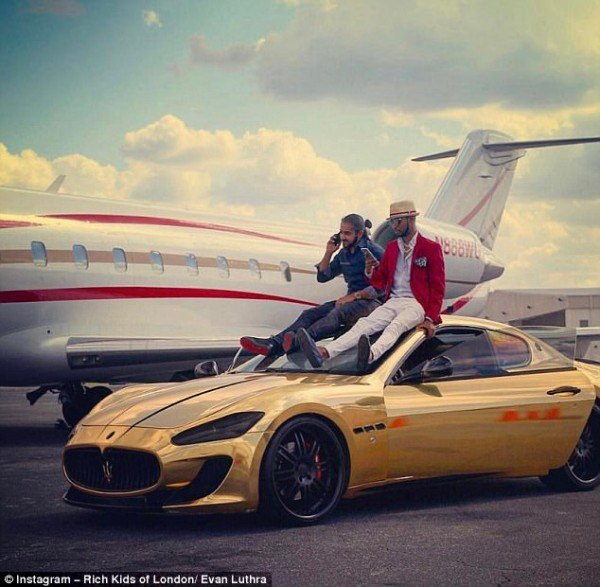4201820000000578-4662422-Entrepreneur_Evan_Luthra_posed_atop_a_golden_car_to_get_this_pic-m-136_1499112802993 (1)