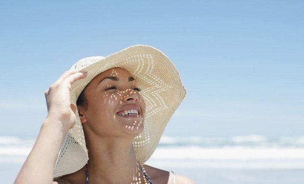 Kavurucu Yaz Sıcaklarında Cildinizi Korumak İçin Dikkat Etmeniz Gereken 9 Önemli Nokta