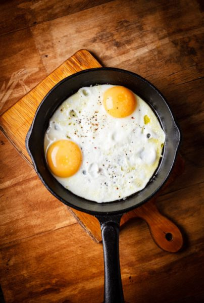 54ff637e343d4-look-younger-foods-eggs-xln