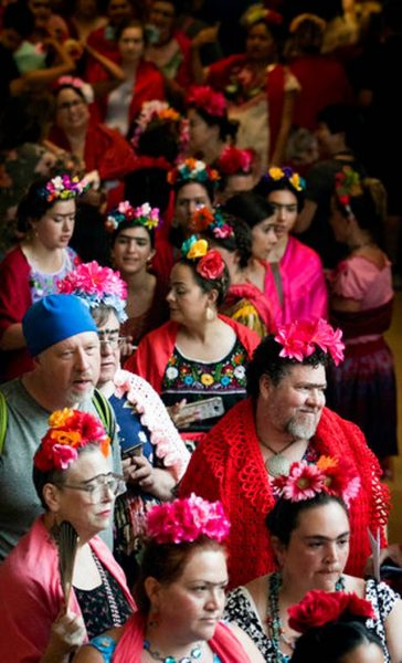 Museum-Frida_Kahlo_Look-Alikes_11225