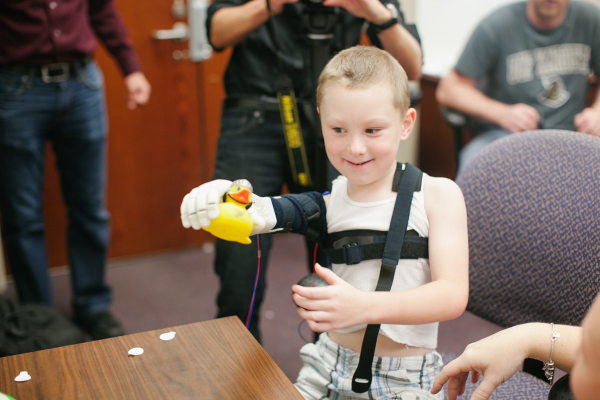 alex-pring-3D-printed-limb-from-limbitless-solutions-and-e-nable
