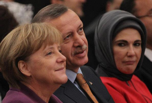 bir-kerecik-olsun-tayyip-erdoğan-ı-öpebilmek_651092
