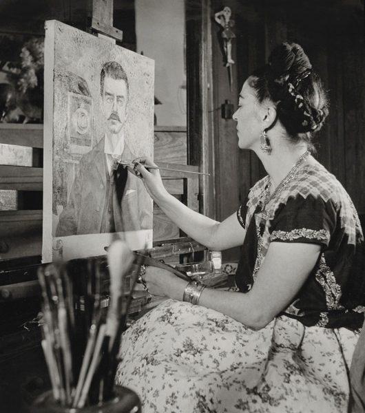 frida-kahlo-rare-photos-gisele-freund-13-595cd87fd091e__880