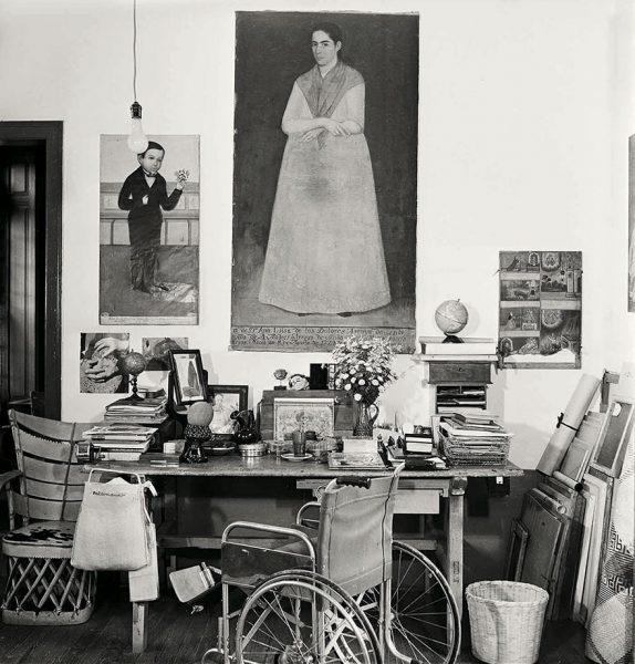 frida-kahlo-rare-photos-gisele-freund-16-595cd888eb683__880