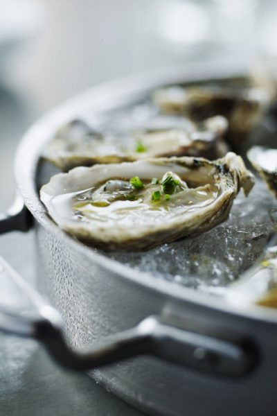 gallery-1498163916-oysters