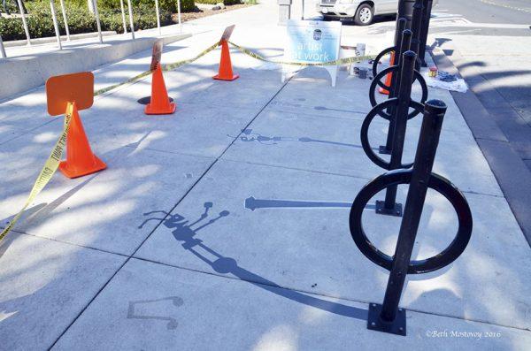 18-fake-shadow-street-art-damon-belanger-redwood-california-7-599bf272be75a__880