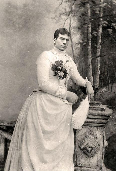 1800-lu-yillardan-drag-queen-fotograflari-11