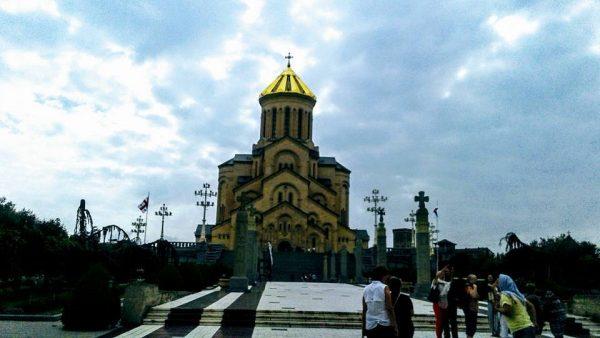 7. Altin Kubbeli Katedral Sameba