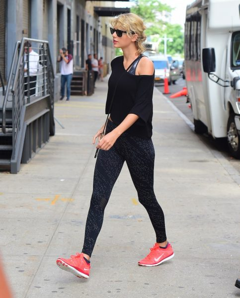 Taylor-Swift-Gym-Look-After