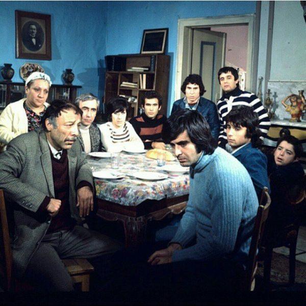 Yesilcam'in-yuzlerce-kez-izlense-de-bikilmayacak-filmi-Bizim-Aile…-Bugun-soyle-saglam-mi-saglam-