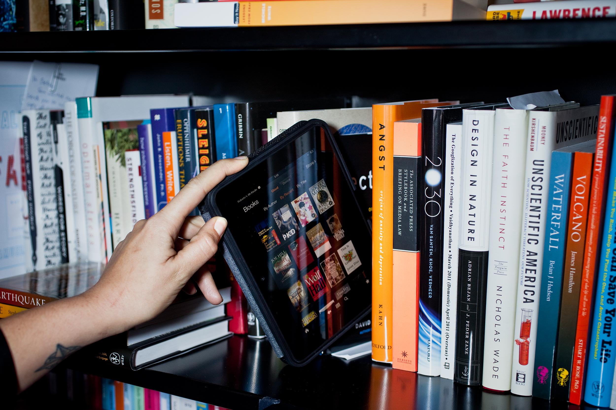 book_vs_internet
