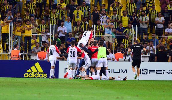 UEFA AVRUPA LİGİ FENERBAHÇE: 1 - VARDAR: 2 (MAÇ SONUCU)