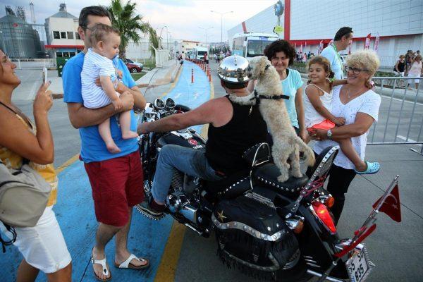 kafe_motosiklet_kopek (2)