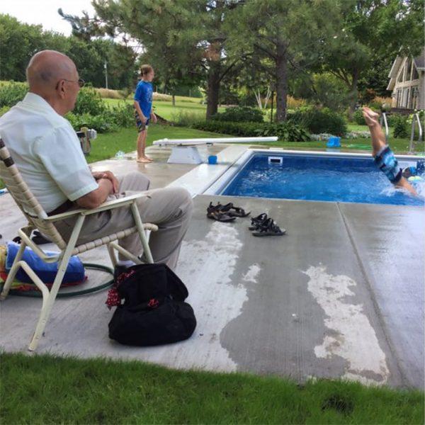 retired-judge-builds-neighborhood-pool-keith-davison-3-599551e1c4bf2__700