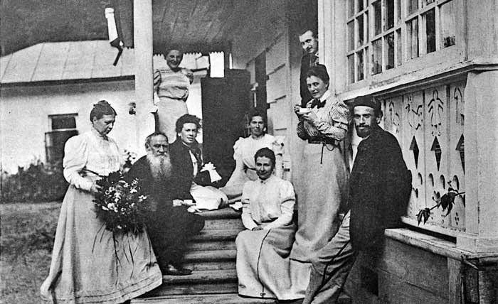 tolstoy-ve-ailesi