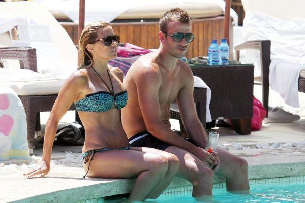 SYLVIE Van Der VAART in Bikini