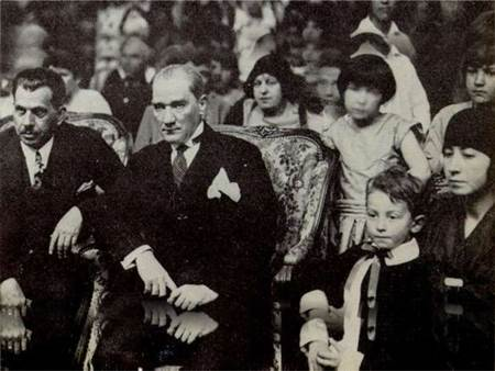 Atatürkün-öğrencileri