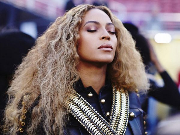 Beyonce-enflamme-le-Super-Bowl-Video