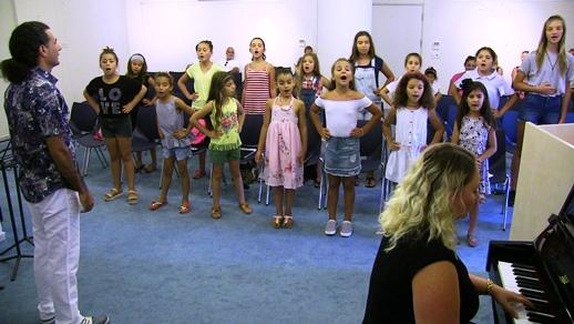 Bodrum-Göçmen-çocuklar-korosu