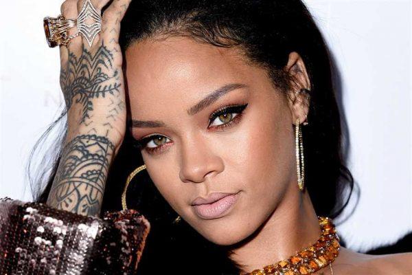 Rihanna-8-11-16