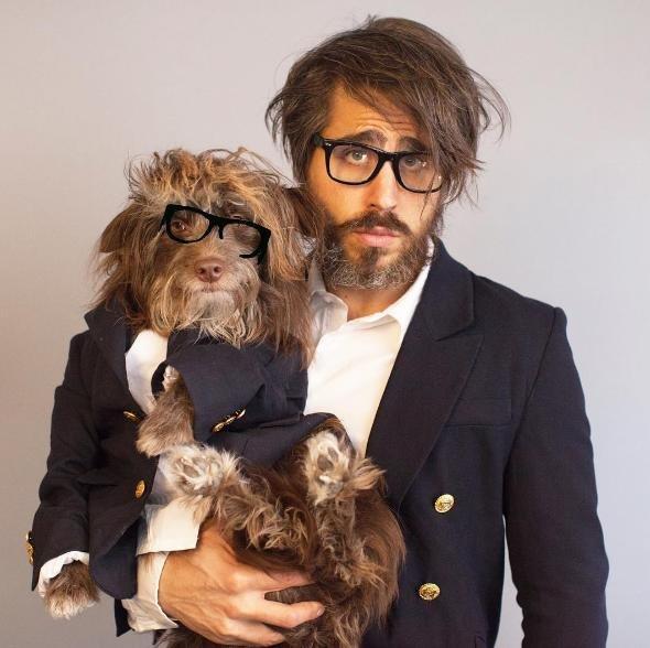 köpeğiyle_aynı_giyinen_adam (29)