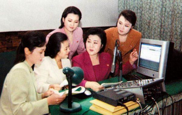 north-korean-anchorwoman-ri-chun-hee-becomes-famous-02