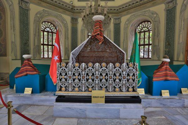 osman-gazi-turbesi