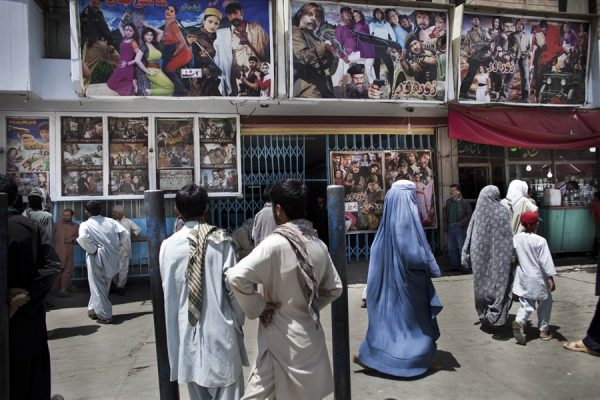 pb-111007-afghan-movies-07.photoblog900