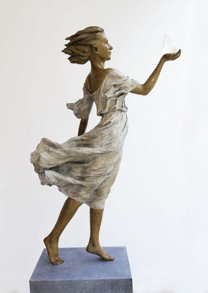 realistic-female-sculptures-luo-li-rong-15-59c8a3ec8c3c1__700