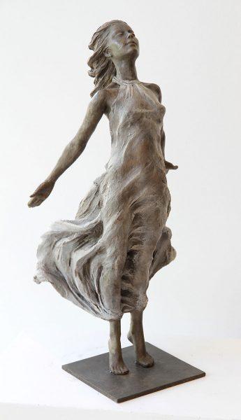 realistic-female-sculptures-luo-li-rong-33-59c8a417ba88e__700