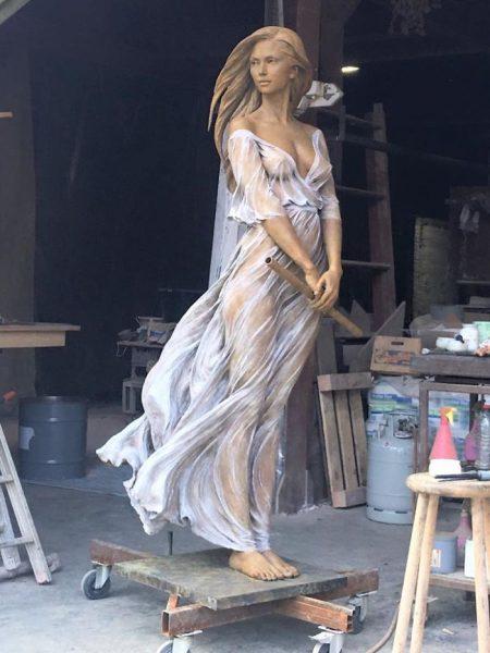realistic-female-sculptures-luo-li-rong-59c8a95e2a46a__700
