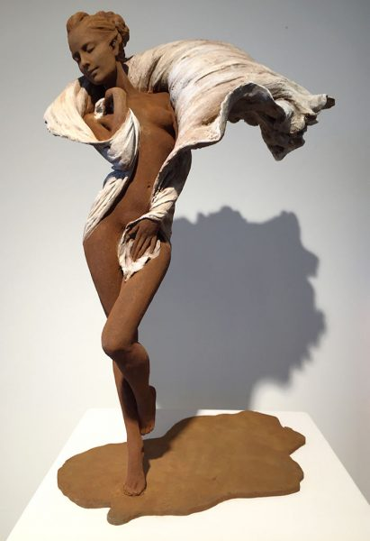 realistic-female-sculptures-luo-li-rong-7-59c8a4282eb78__700