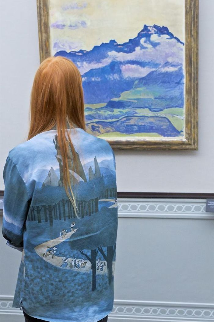 Photographer-goes-through-the-museums-to-capture-the-similarities-between-the-paintings-and-the-visitors-and-the-result-will-impress-you-59e6faca421db__700