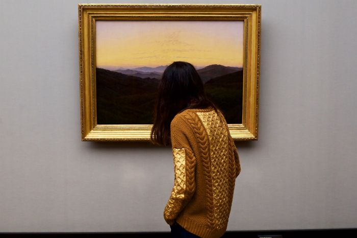 Photographer-goes-through-the-museums-to-capture-the-similarities-between-the-paintings-and-the-visitors-and-the-result-will-impress-you-59e6fb251e6ff__700