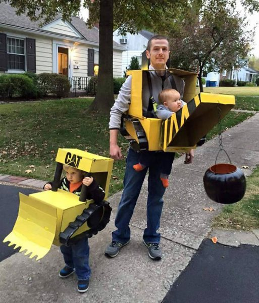 baby-carrier-halloween-costumes-135-59eddbac672a6__700