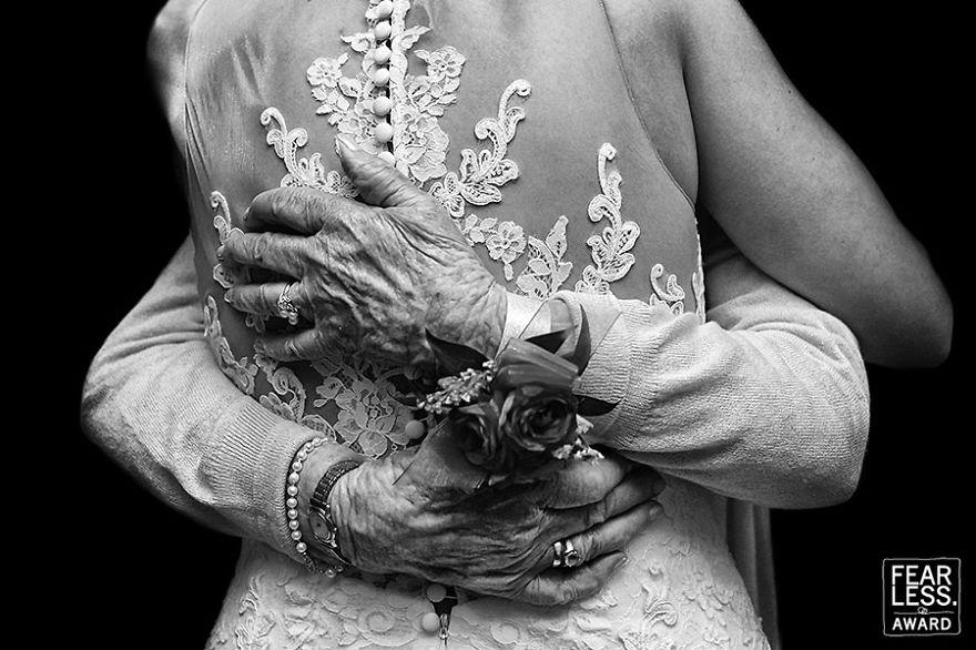 best-wedding-photos-2017-fearless-awards-55-59e451ba43363__880