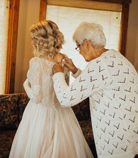 bride-wears-grandmother-old-wedding-1962-dress-penny-jensen-jordyn-cleverly-12