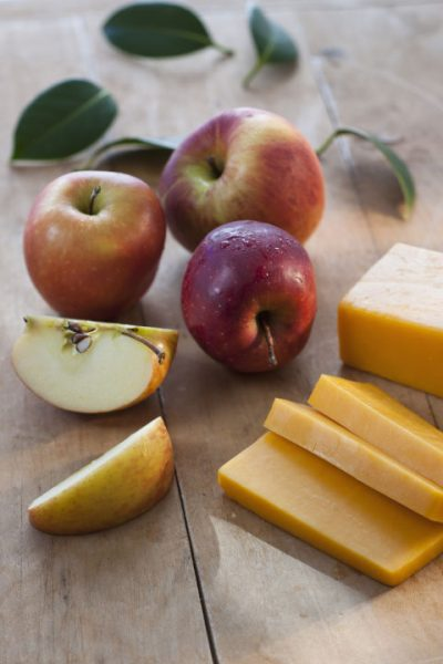 cheese-and-fruitsnacks-at-deskcrop
