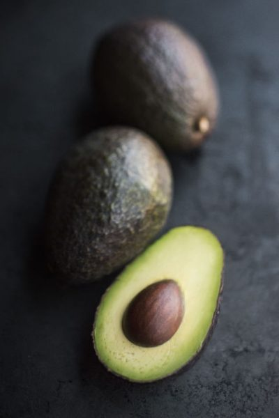 gallery-1493754290-avocado