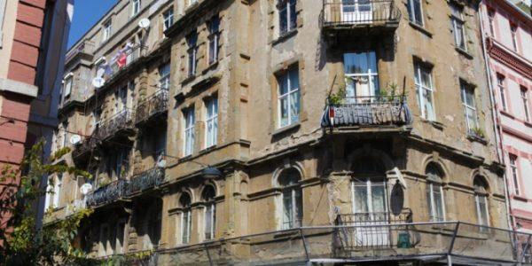 istanbul-un-ilk-apartmanlarindan-tarihi-valpreda-apartmani-4-1476440891