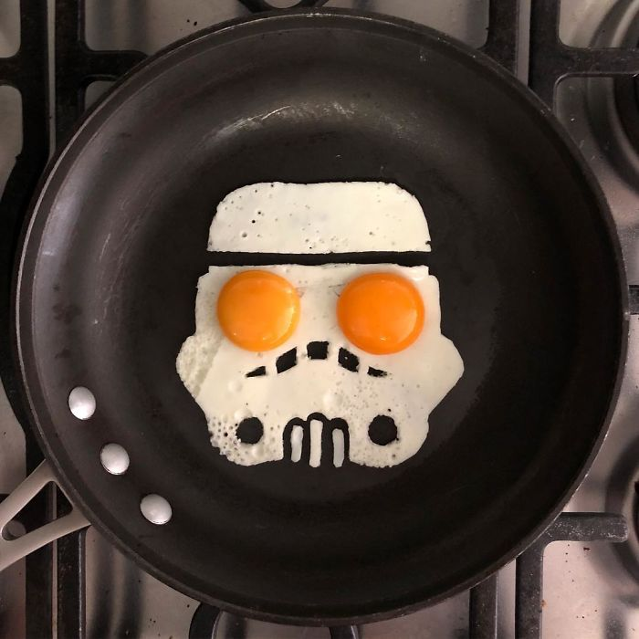 Mexican-artist-turns-eggs-into-amazing-works-of-art-and-youre-sure-to-want-one-of-those-at-breakfast-5a3fa57bdb2f1__700