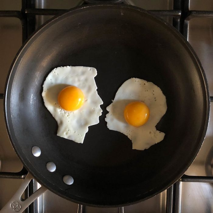 Mexican-artist-turns-eggs-into-amazing-works-of-art-and-youre-sure-to-want-one-of-those-at-breakfast-5a3fa5901a122__700