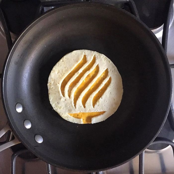 Mexican-artist-turns-eggs-into-amazing-works-of-art-and-youre-sure-to-want-one-of-those-at-breakfast-5a43629112bb4__700