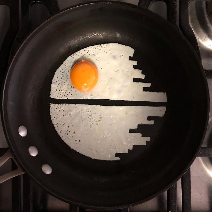 Mexican-artist-turns-eggs-into-amazing-works-of-art-and-youre-sure-to-want-one-of-those-at-breakfast-5a4362a3becfe__700
