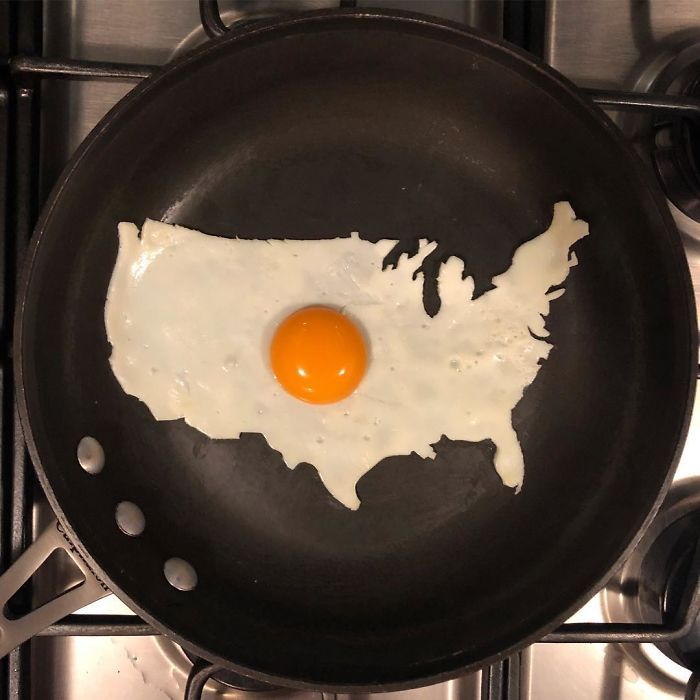 Mexican-artist-turns-eggs-into-amazing-works-of-art-and-youre-sure-to-want-one-of-those-at-breakfast-5a4362b689053__700
